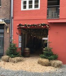 Der Eingang zum Lüneburger Winterdorf in der Schröderstraße
