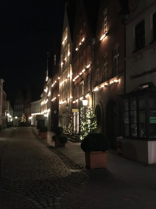 Die festliche erleuchtete Heiligengeiststraße